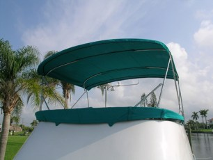 Flybridge bimini in Persian Green