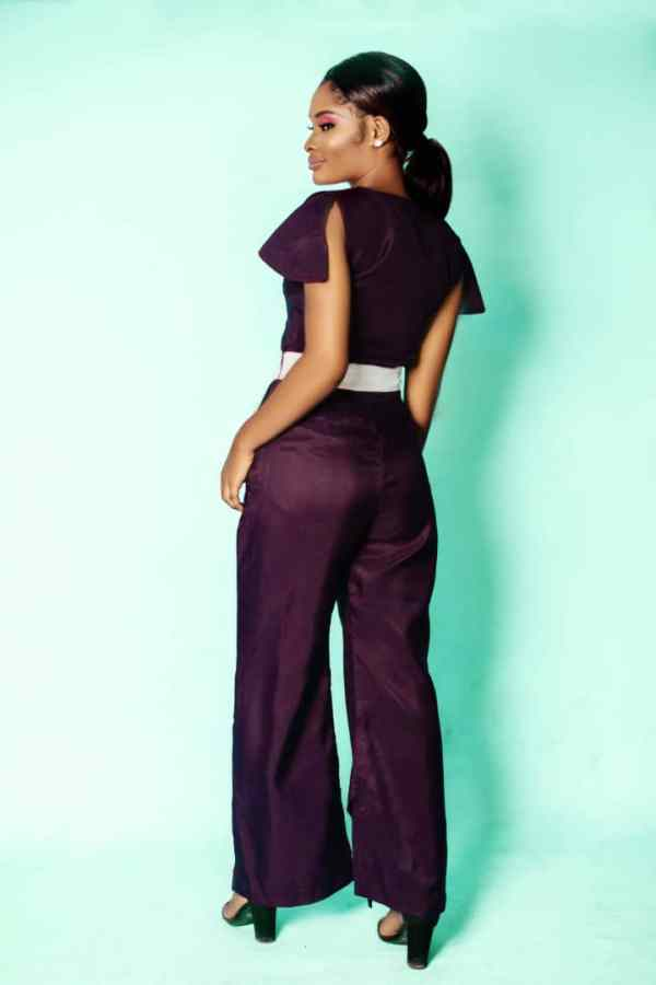back view of the Cheche Set by Ria Kosher
