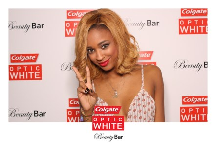 Colgate-Optic-White-Beauty-Bar