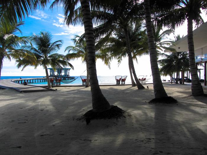 Jumeirah-Dhevnafushi-Main-Island-Maldives