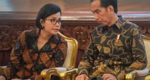 Presiden Joko Widodo bersama Menteri Keuangan Sri Mulyani