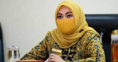 Asisten II Setdaprov Riau, Eva Refita
