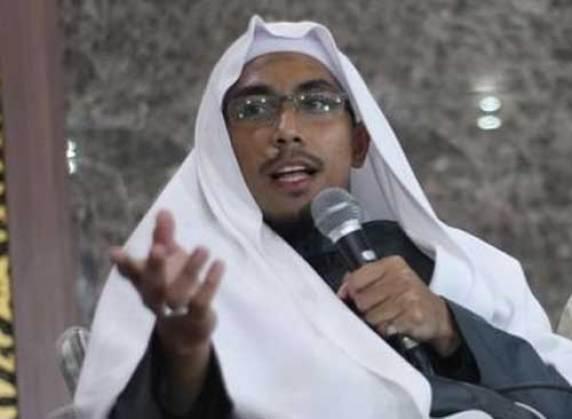 Ustadz Maaher At-Thuwailibi.