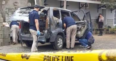 Daihatsu Xenia terbakar
