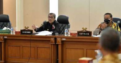 Gubernur Riau Syamsuar sosialisasi UU Cipta Kerja.