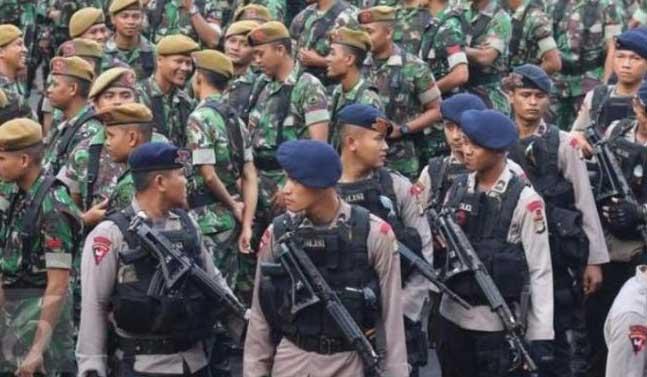 Pasukan TNI dan Polri