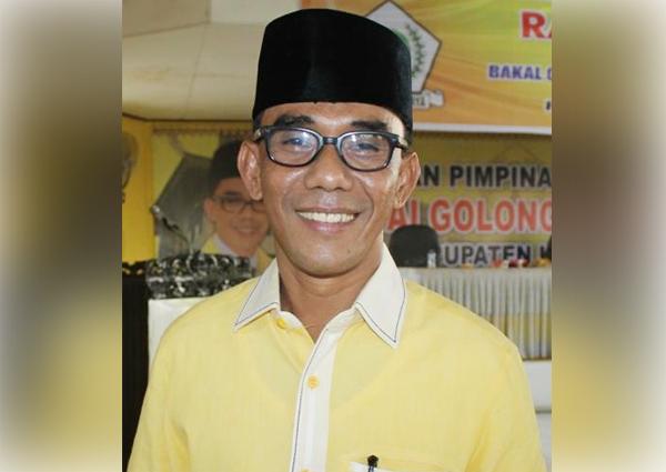 Mantan Ketua DPRD Kampar Ahmad Fikri