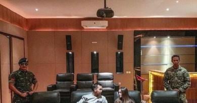 Gusti Ega dan Elina dikawal prajurit TNI