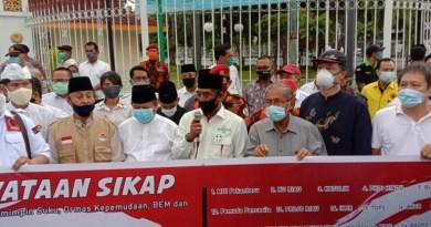 Demo Tolak Kedatangan Habib Rizieq Shihab ke Riau