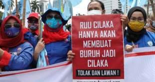 Demo buruh menolak UU Cipta Kerja