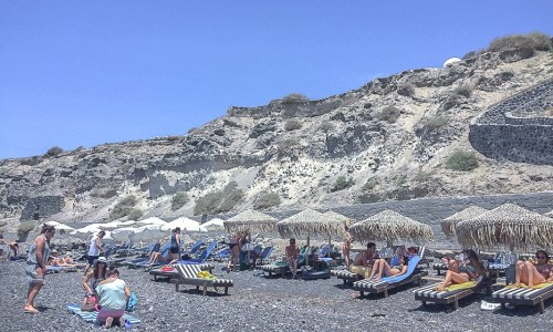 6 tips for visiting the Red, White and Black beaches in Santorini
