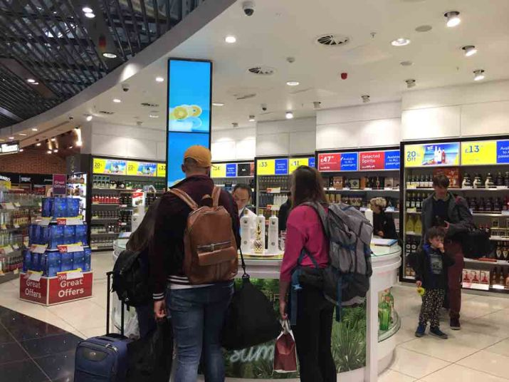 Duty free shopping_RiA Vistas