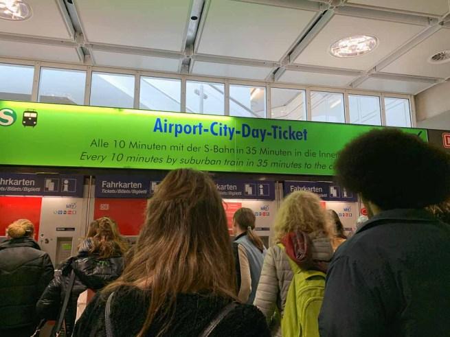 Munich Airport day ticket queue - RiA Vistas
