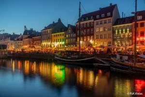 Nyhavn at night - Copenhagen_RiA Vistas