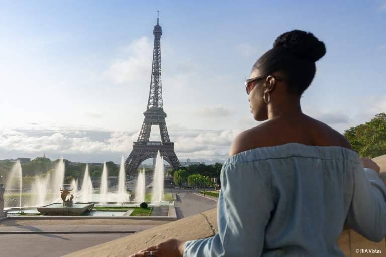 RiA at the Eiffel Tower - Paris_RiA Vistas
