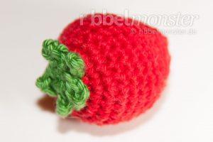 Amigurumi mittlere Erdbeere häkeln Häkelanleitung
