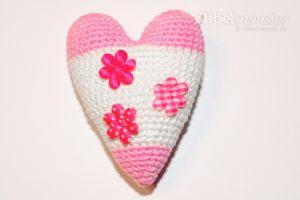 Amigurumi - Crochet big Tilda heart - tutorial - crochet pattern