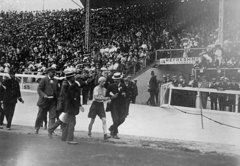 1908, London, England, UK --- Olympic Games, London, England 1908- Marathon race. --- Image by © Bettmann/CORBIS