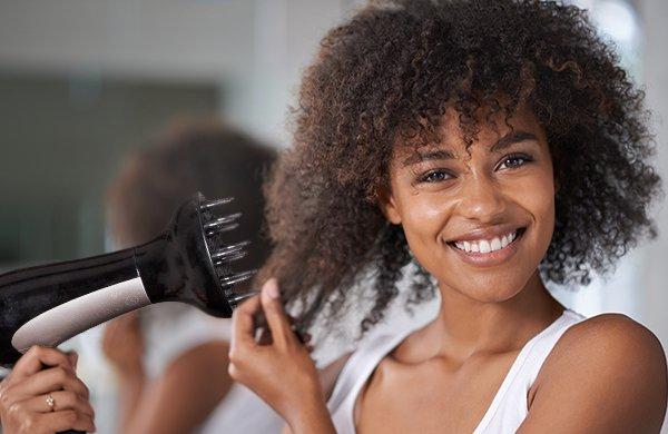 Asciugare i capelli ricci con i termoprotettori naturali - Ricciomatto 2dec6e9c62da