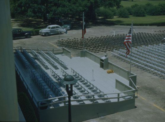 Commencement 1952 Founder's Court setup