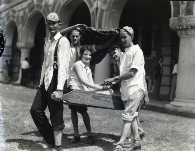 Sedan chair 1929