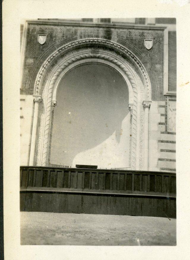 Commencement setup 1921 047