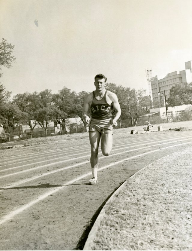 Runner with Ye Old College Inn mid 50s016