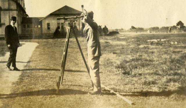 knapp27surveyingclass1913