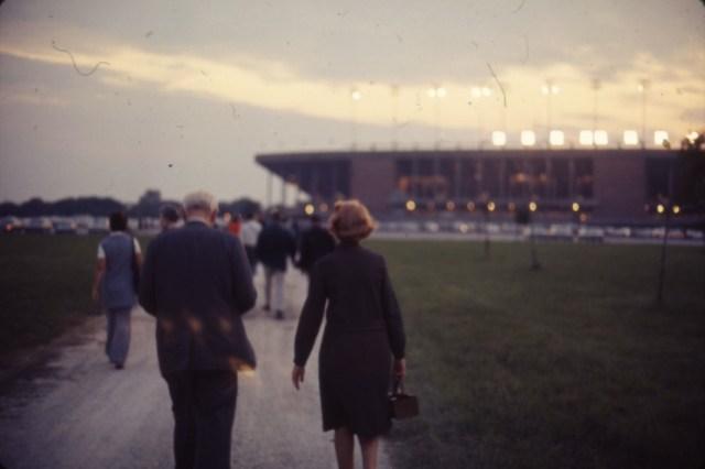 homecoming-1970-walk