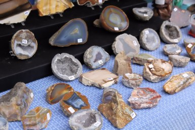 Vendor selling open geods and agates.