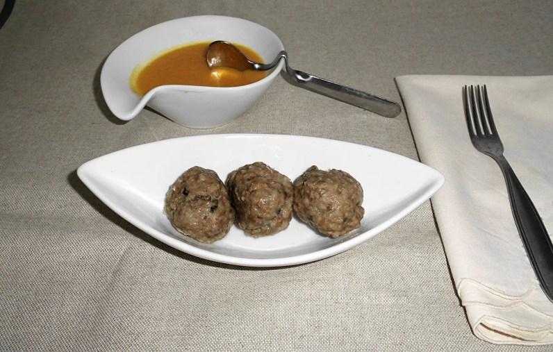 Polpette di carne a varoma con salsa alla zucca - polpette-di-carne-al-varoma-1