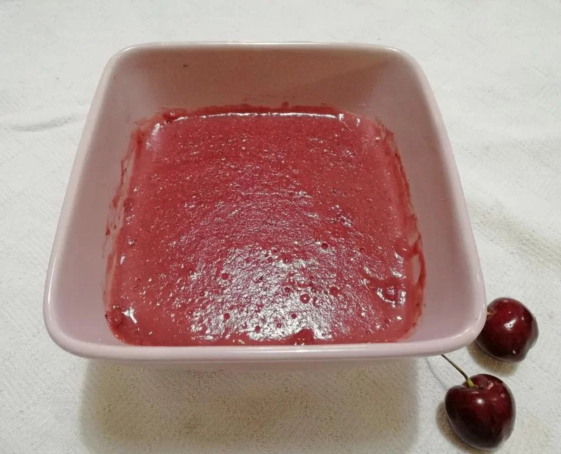 Crostata con crema alle ciliegie senza burro - crema-ciliegie