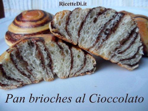 cornetti di pan brioche al cioccolato