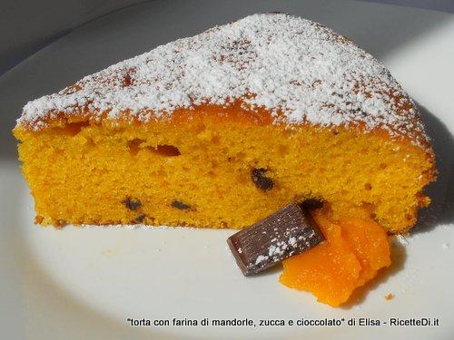 torta con farina di mandorle, zucca e cioccolato fondente