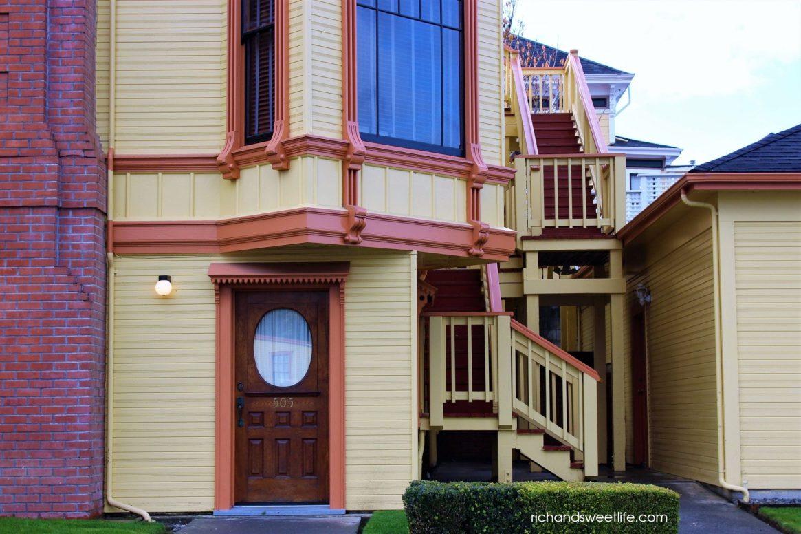 VICTORIAN HOUSE HUMBOLDT 1