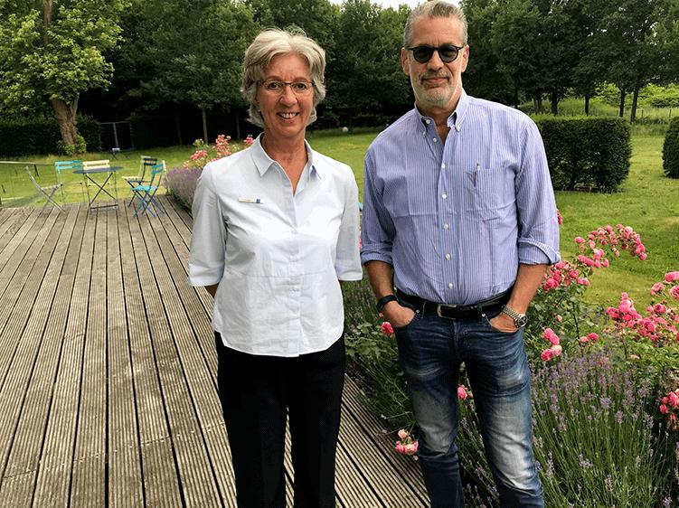 Richard C. Schneider mit Gabriele Osthues, Leiterin des liter. Programms der Akademie Franz-Hitze-Haus, Münster