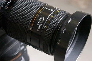 The AF Nikkor 35-135mm f/3.5-4.5 is a nice-looking lens, but that is just about its only redeeming feature.