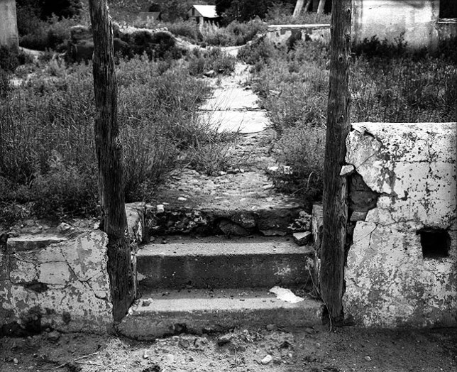 This previously unscanned and unprinted negative was shot in the village of Villanueva. Like the image at the top of this entry, it was made on the excellent Verichrome Pan medium format film.