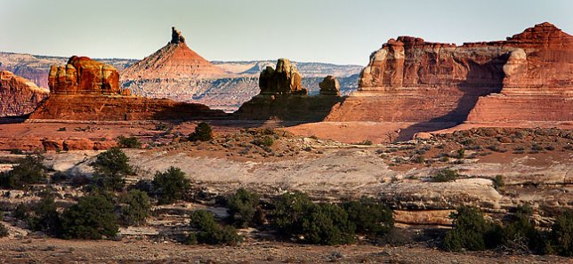 Sixshooter Peak and Wooden Shoe Arch are visible from near the Squaw Flat campground.