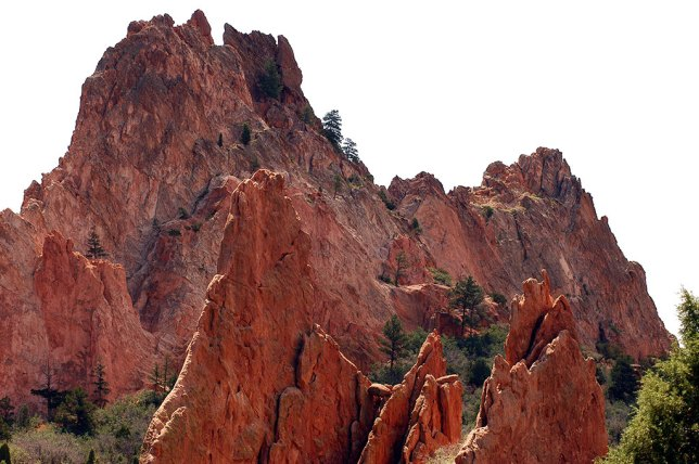 The light varied between blue sky and cloudy sky during my stroll at Garden of the Gods.