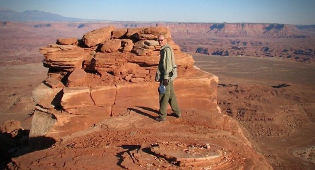 The author tries to negotiate the intricacies of hiking in the desert.