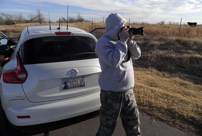 Dan photographs a handsome horizon as we search for the Blue Canyon Wind Farm.