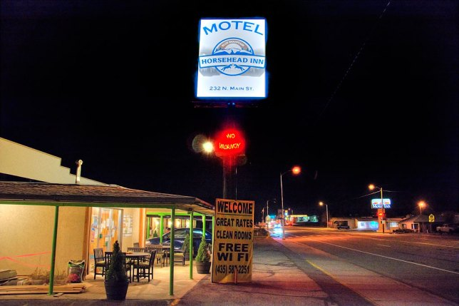 In years past, our motel was called the Navajo Trails, but seems to have changed ownership, and it now the Horsehead Inn. It is affordable and charming.