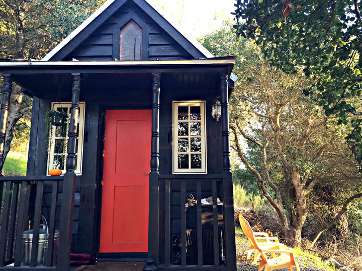 Cheri's tiny house on wheels