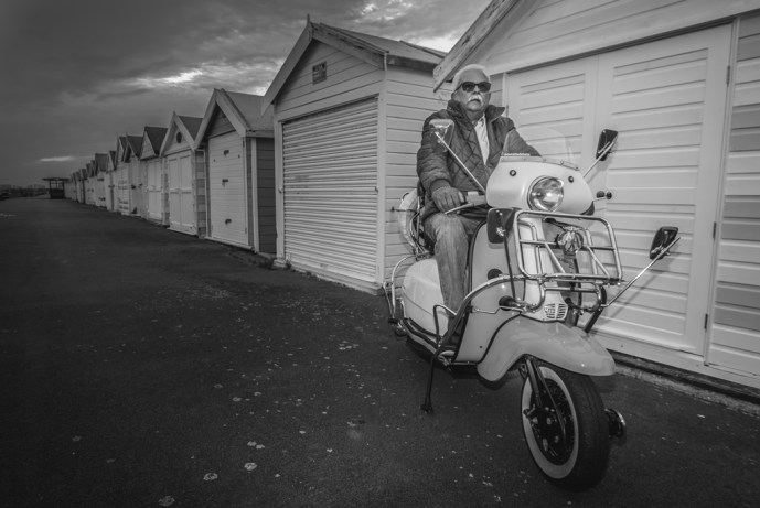 scooter-at-the-sea-front_35649170390_o