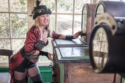 steampunk-steam-trains-31_43404107850_o