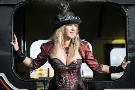 steampunk-steam-trains-38_43404106920_o