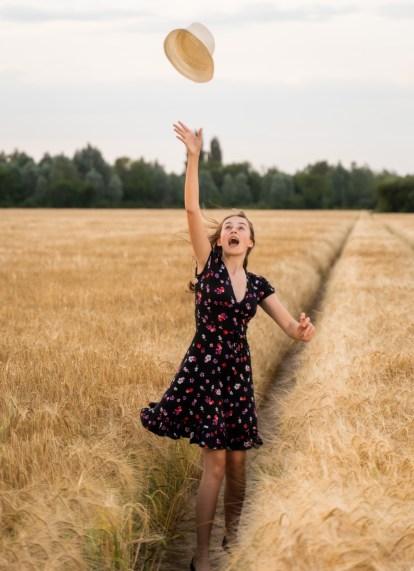 Kids Barley Field (16)