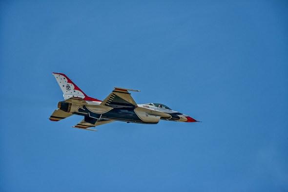 Thunderbirds-f-16-Fighting-Falcon-Lockheed-Martin-13-005190.vv