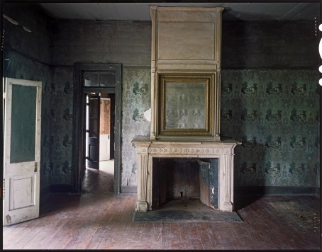 Main Parlor, Home Place Plantation; Hahnville, LA; 1997